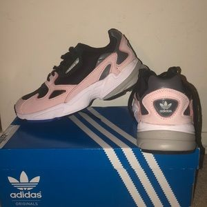 NEW Adidas Women's Falcon Dad Sneakers